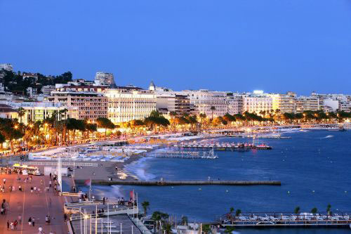 May on La Croisette in Cannes  (photo © Cannes Destination/Kelagopian)