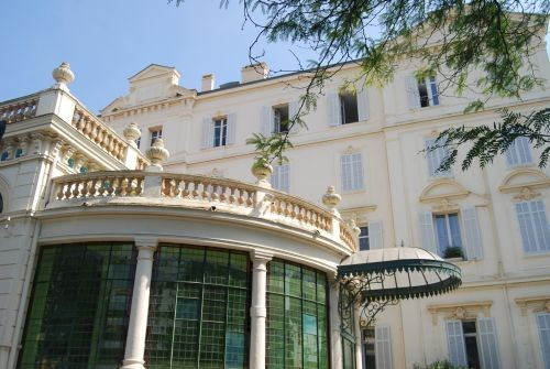 Villa Kazbeck in Cannes © Lisa Gerard-Sharp